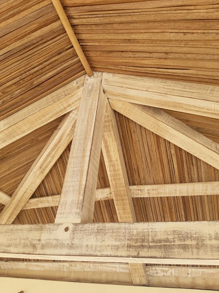 Faux plafond en ravinale